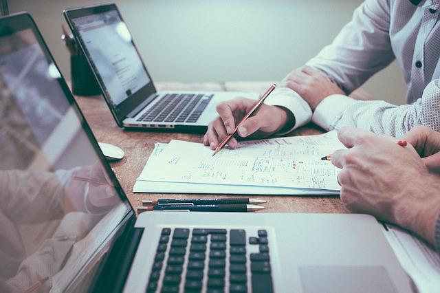 Sklep stacjonarny obecny w Internecie - garść porad dla przedsiębiorców